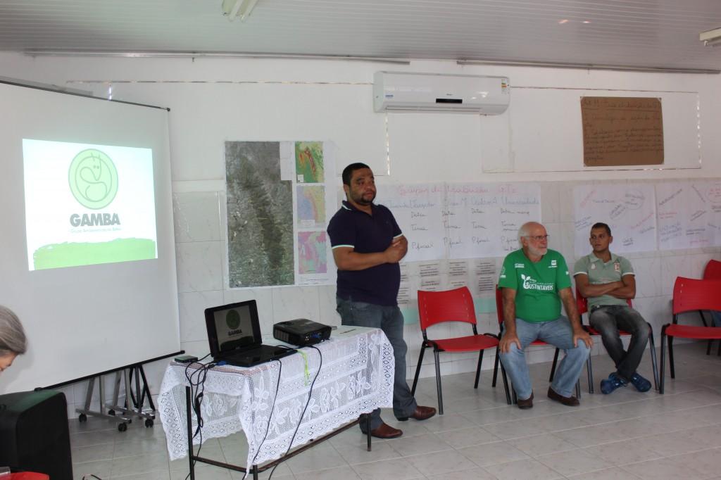 Helder Giovanny, Secretário de Agricultura e Meio Ambiente de Sao Miguel das Matas e anfitrião do encontro, recepciona os conselheiros